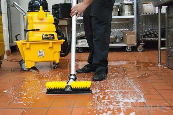 راهنمای جامع خرید تجهیزات نظافتی آشپزخانه صنعتی