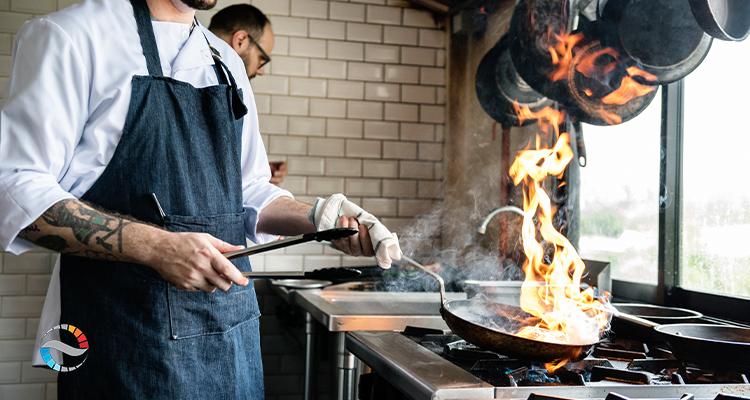 اجاق گاز در آشپزخانه صنعتی
