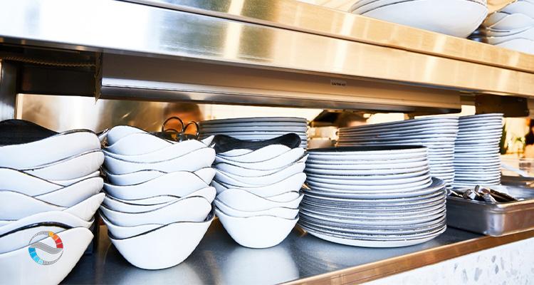 وسایل سرو غذا در آشپزخانه صنعتی